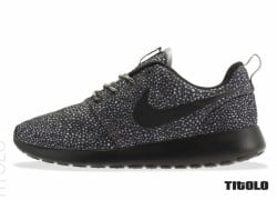 Nike WMNS Roshe Run Pebble 'Cool Grey/Black-Wolf Grey-Volt'