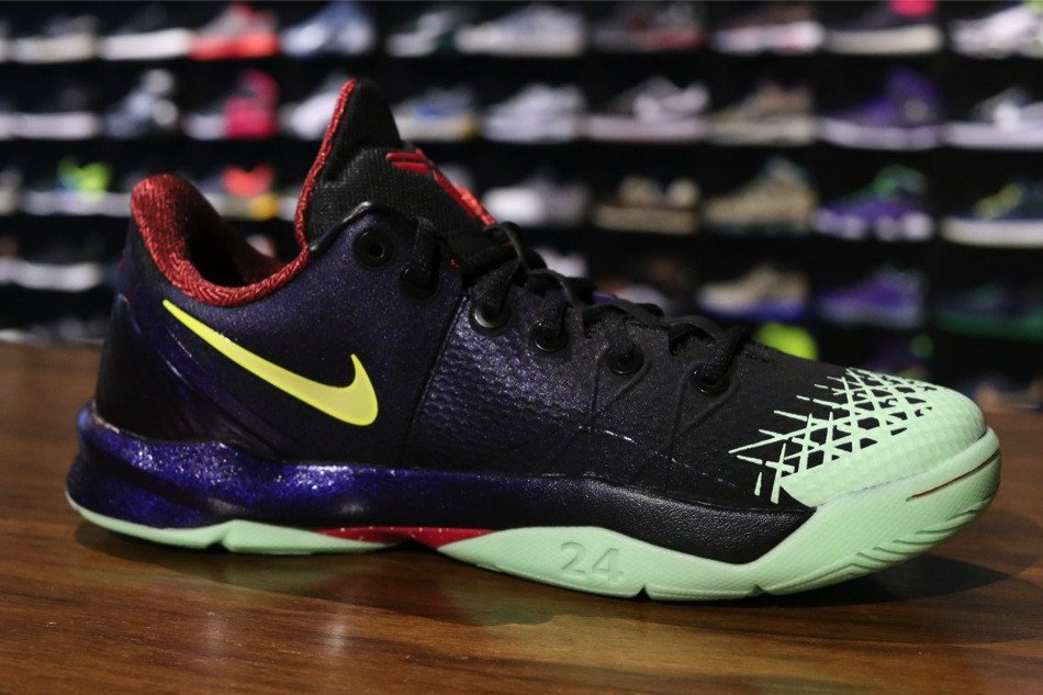 nike-zoom-kobe-venomenon-4-black-lemon-chiffon-court-purple-new-images-6
