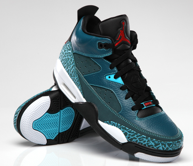 release-reminder-jordan-son-of-mars-low-dark-sea-gym-red-black-white-2