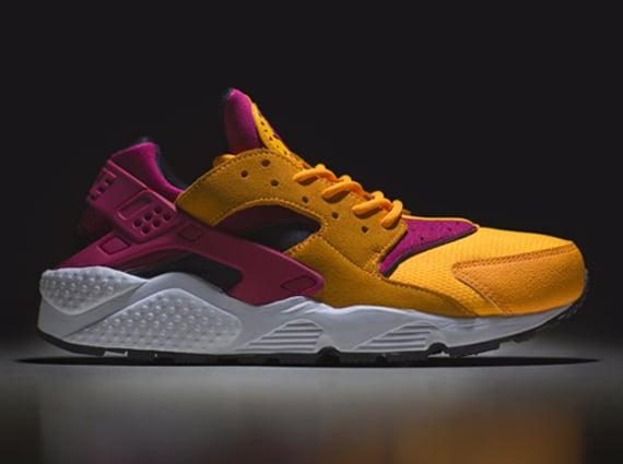 Size? x Nike Air Huarache Laser Orange