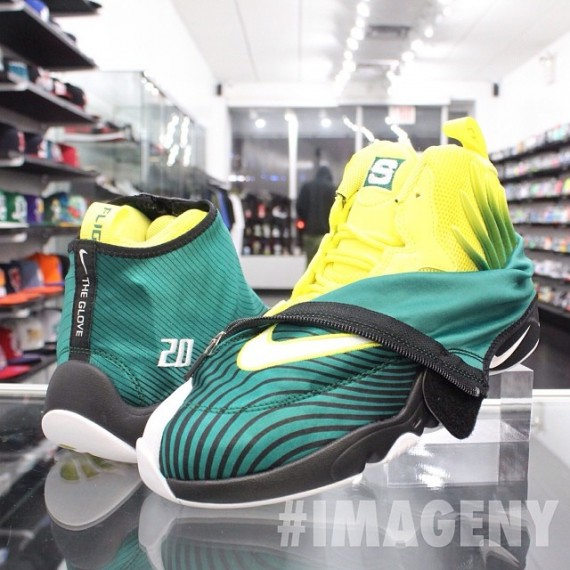 Sole Collector x Nike Air Zoom Flight The Glove Release Date