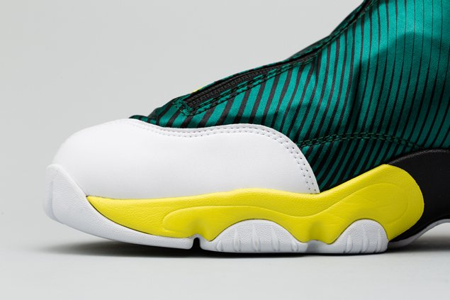 sole-collector-nike-air-zoom-flight-the-glove-legion-pine-tour-yellow-official-images-8