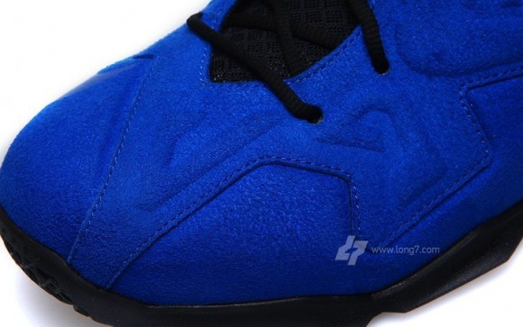 Nike LeBron 11 EXT Blue Suede Detailed Look
