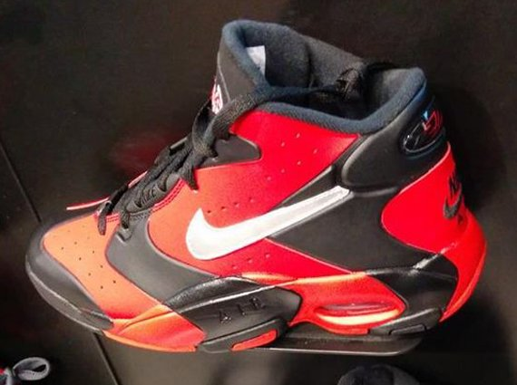 Nike Air Up Black Red