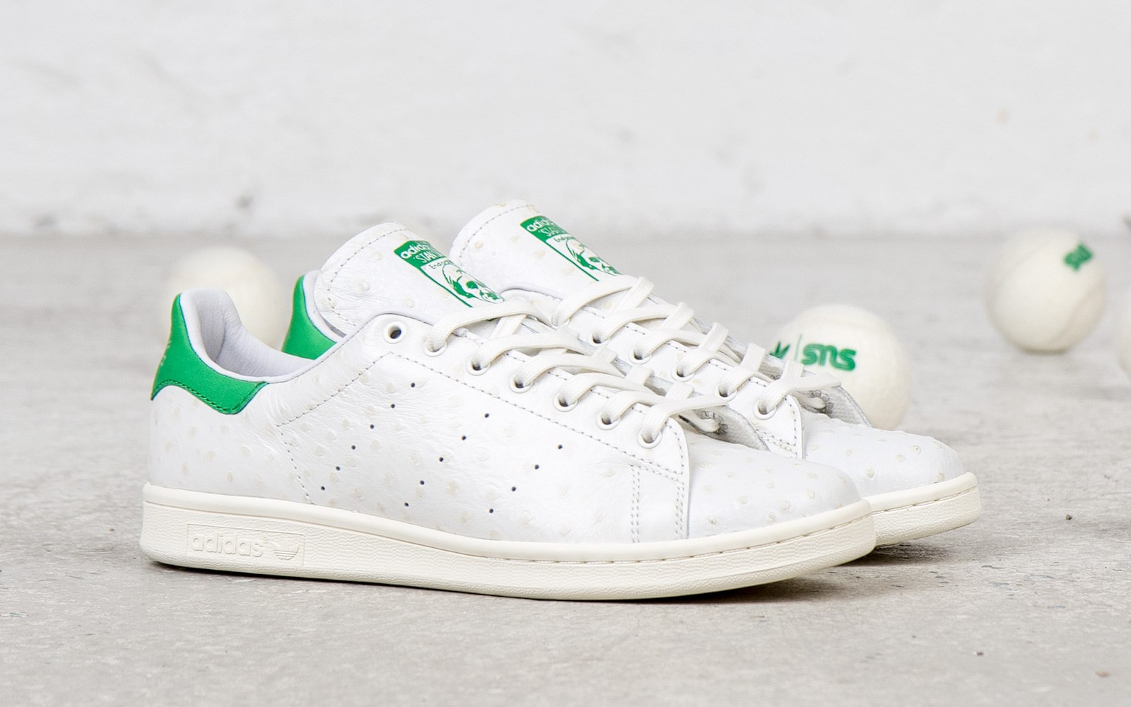 adidas-originals-consortium-stan-smith-ostrich-leather-detailed-images-1