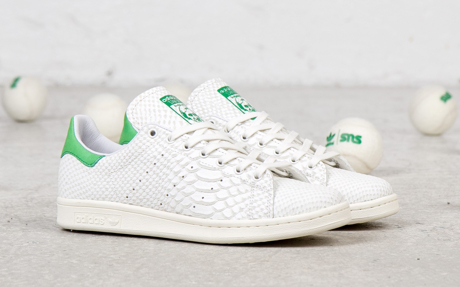 adidas originals consortium stan smith 39 reptile leather 39 detailed images sneakerfiles. Black Bedroom Furniture Sets. Home Design Ideas