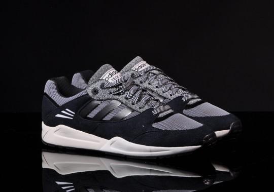 adidas-tech-super-black-running-white-1