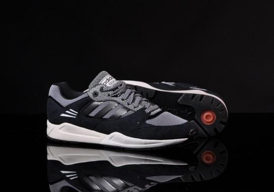 adidas-tech-super-black-running-white-4