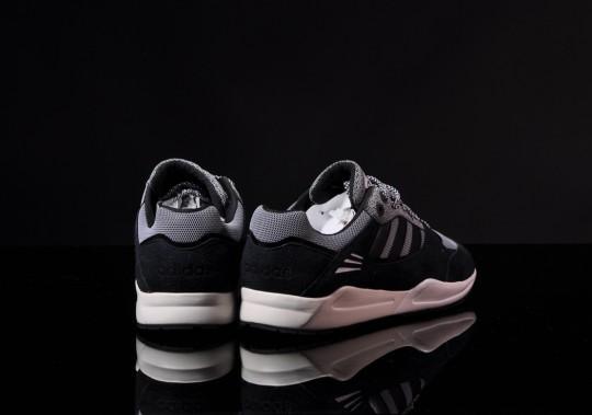 adidas-tech-super-black-running-white-5
