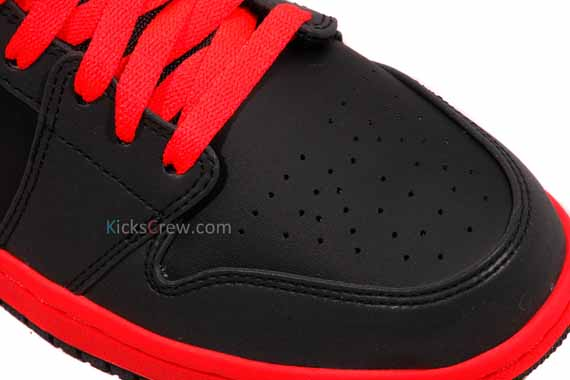 Air Jordan 1 Mid Infrared 23 First Look