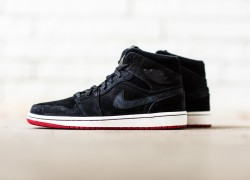 Air Jordan 1 Mid 'Nouveau Black'