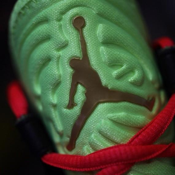 Air Jordan XX8 SE Green Cracked Pavement