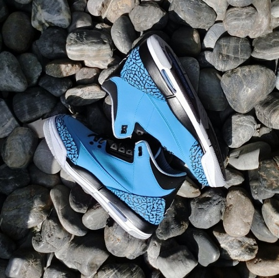 Battle of the Air Jordan IIIs: Cement Grey vs. Powder Blue