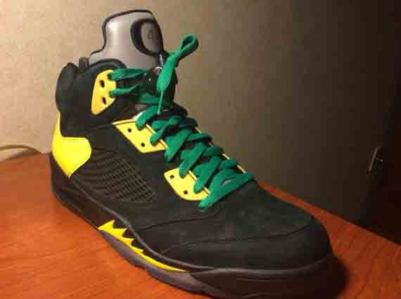 Air Jordan 5 JumpDucks Oregon Ducks PE