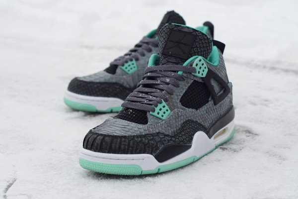 air-jordan-iv-4-green-glow-custom-a-closer-look-2