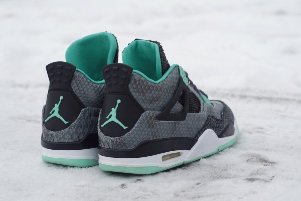 air-jordan-iv-4-green-glow-custom-a-closer-look-3