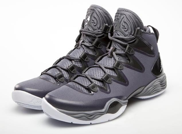 air-jordan-xx8-se-dark-grey-white-black-cool-grey-official-images-2