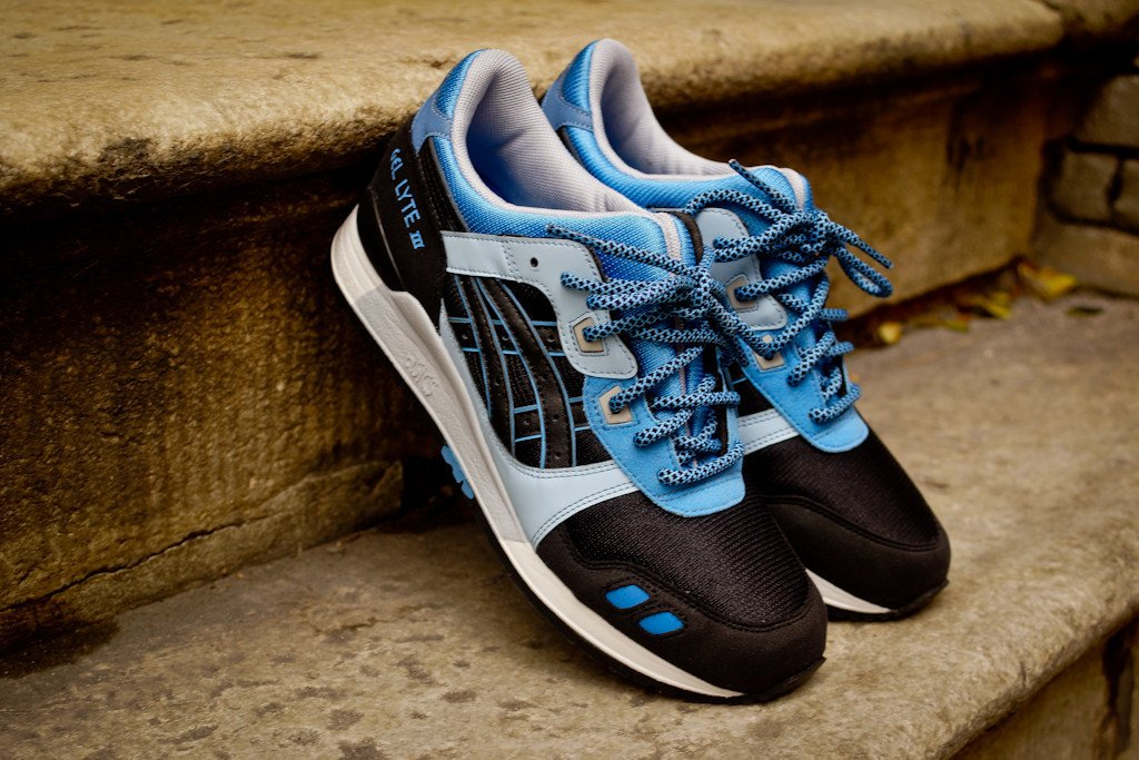 asics-gel-lyte-iii-black-carolina-blue-global-exclusive-reissue-3