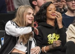 Celebrity Sneaker Watch: Rihanna Sits Courtside in Brooklyn Wearing 'Bred' 1′s