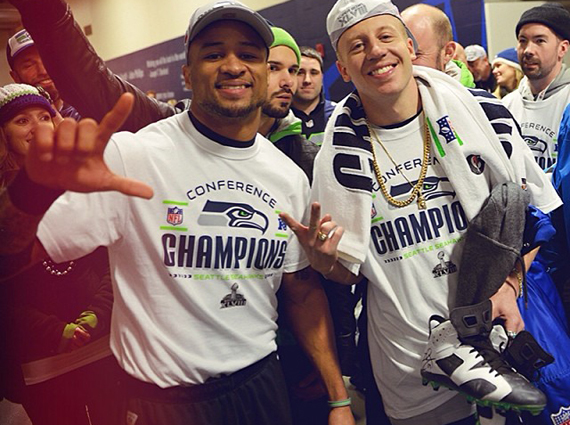 Earl Thomas Gives Macklemore Air Jordan 6 PE Cleat After NFC Championship Game