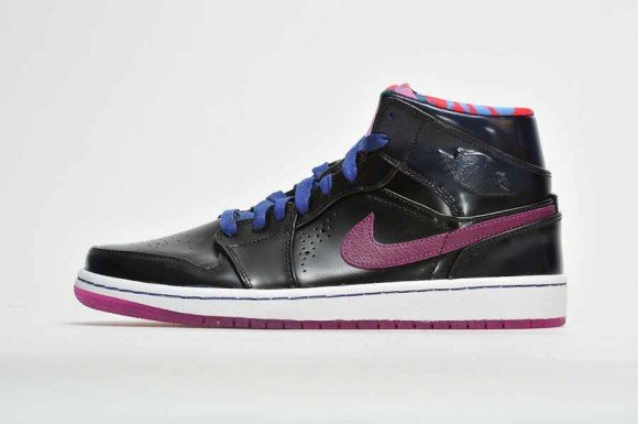 Air Jordan 1 Mid Year of the Horse Detailed Look