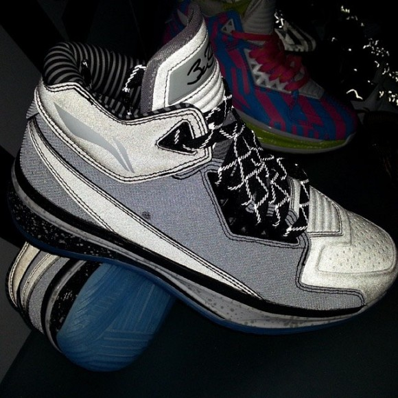 li-ning-way-of-wade-2-team-no-sleep-02