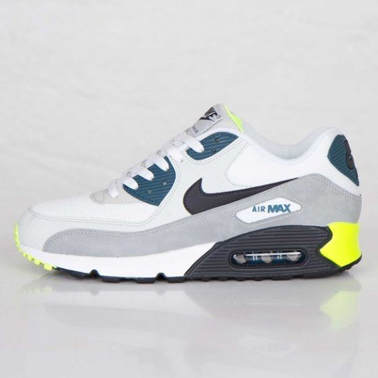 nike-air-max-90-essential-white-black-prune-light-base-grey-base-grey-2