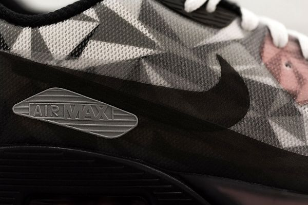 nike-air-max-90-ice-white-cool-grey-black-infrared-3