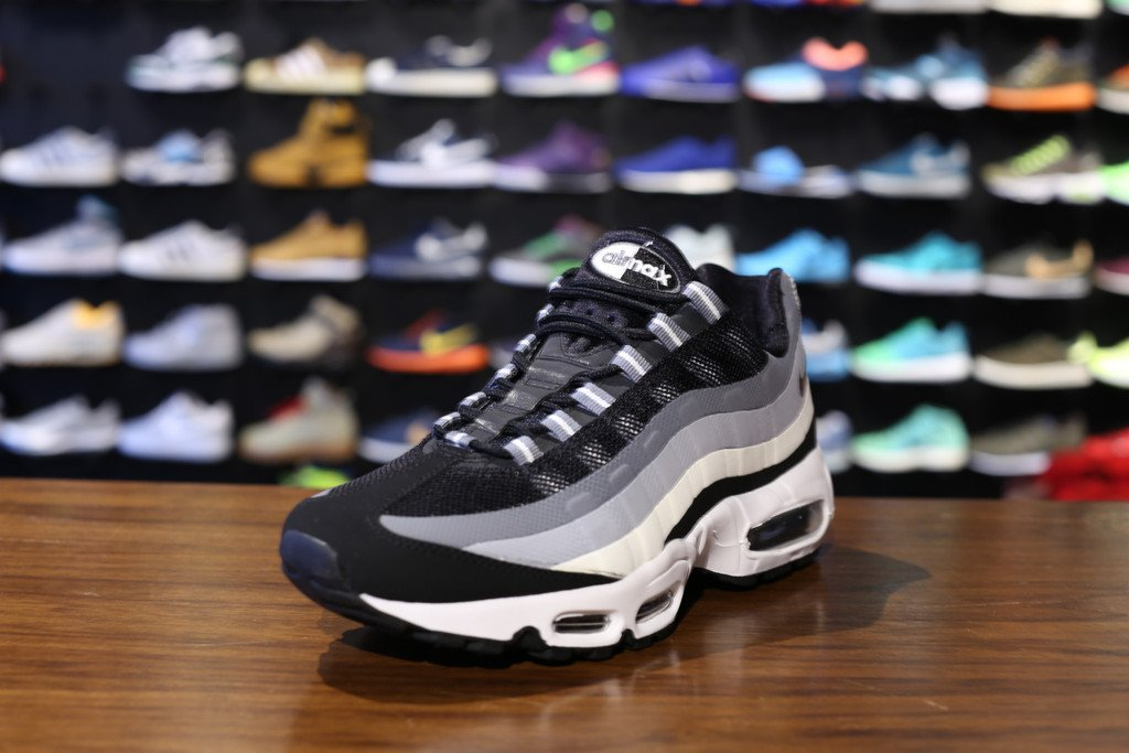nike-air-max-95-no-sew-wolf-grey-2