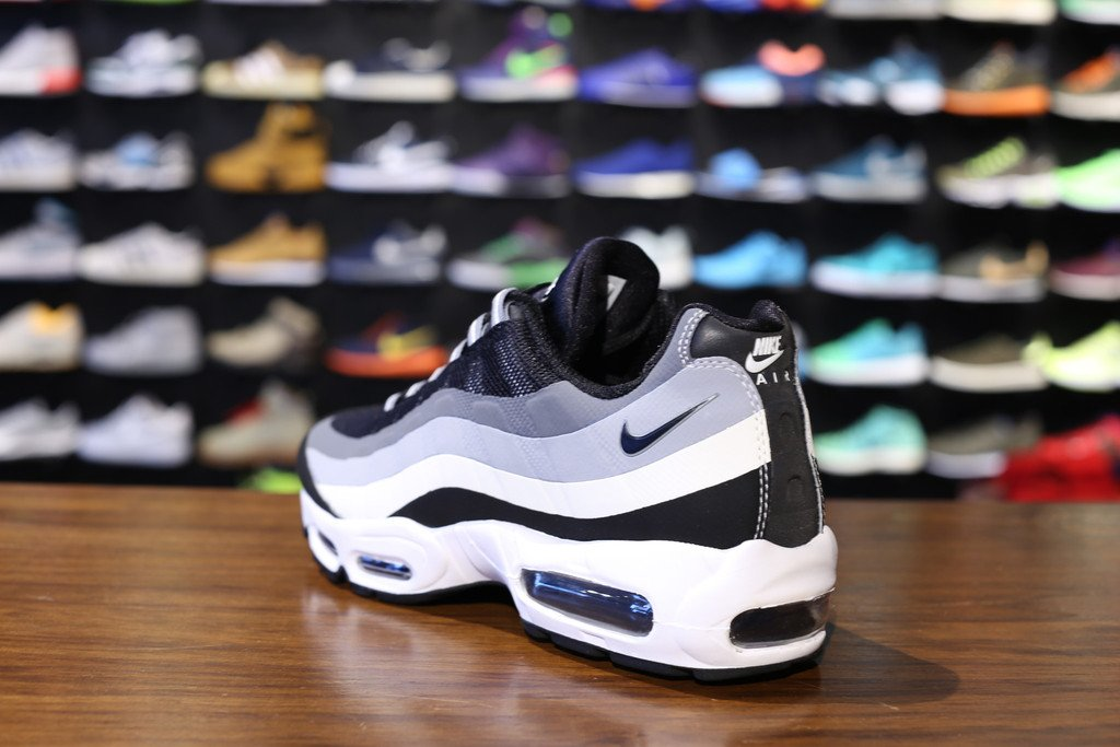nike-air-max-95-no-sew-wolf-grey-3