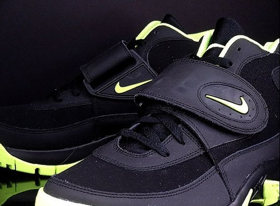 Nike Air Mission Black Volt First Look