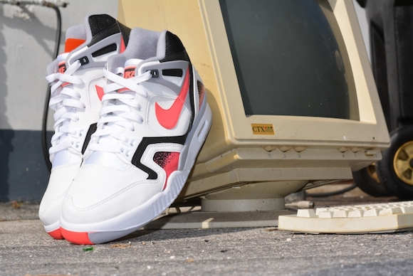 Nike Air Tech Challenge II QS Hot Lava Monday Reminder