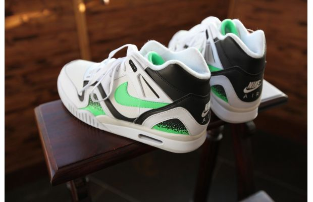 nike-air-tech-challenge-ii-white-black-poison-green-new-images-1