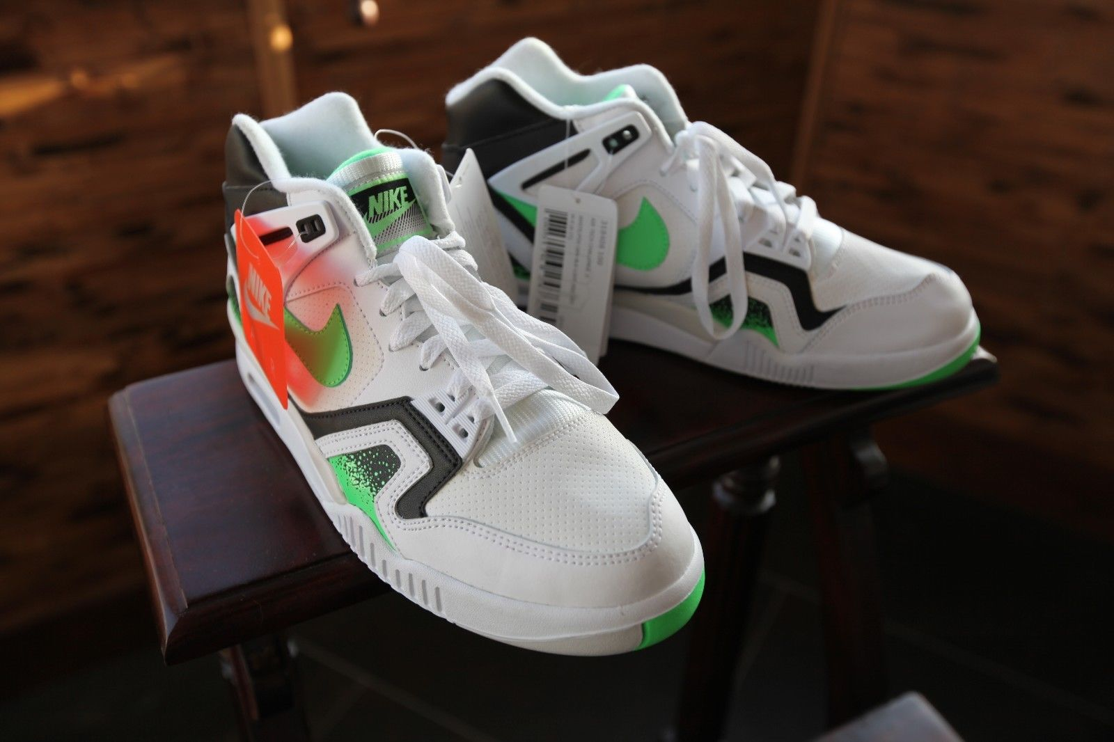 nike-air-tech-challenge-ii-white-black-poison-green-new-images-2