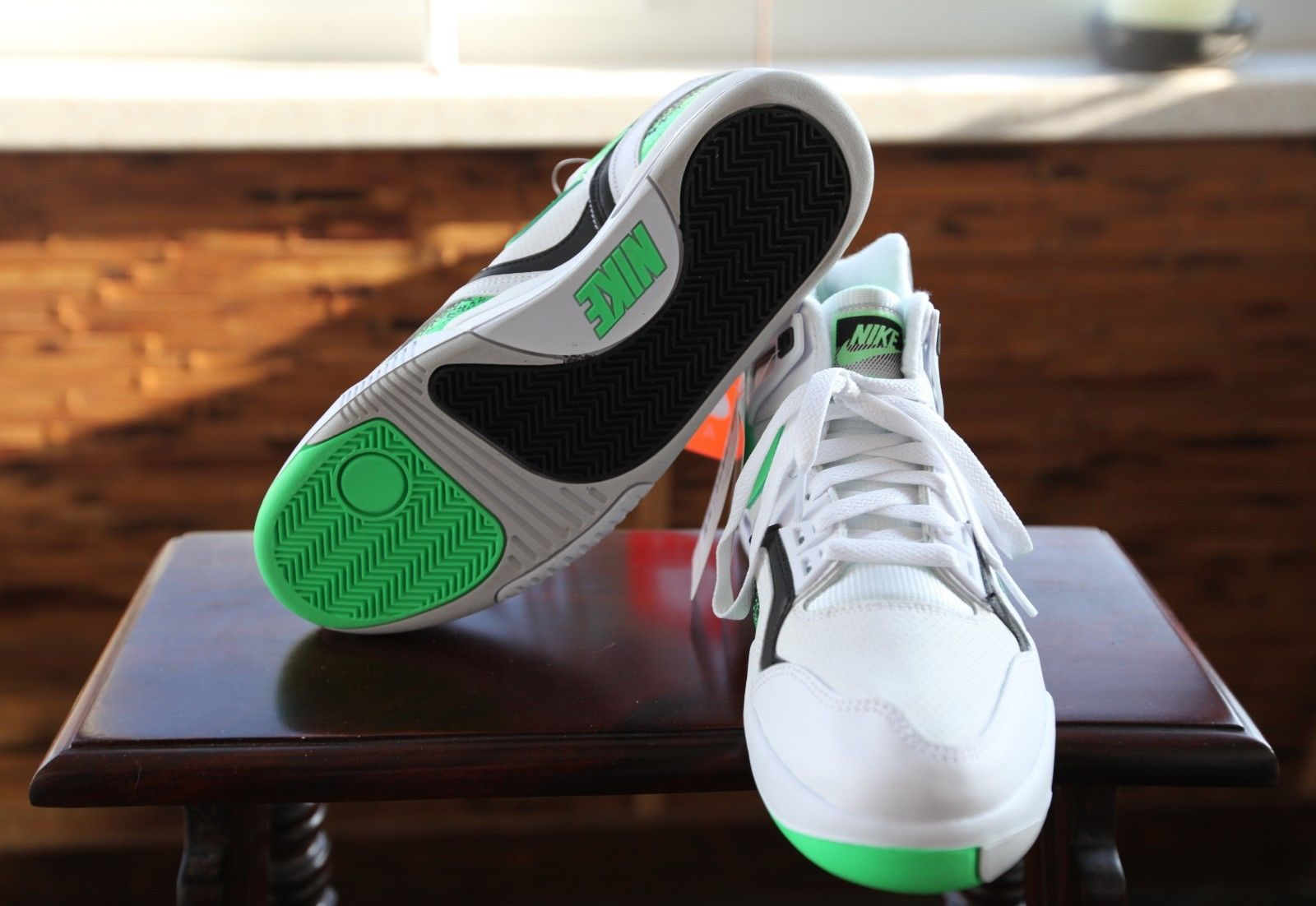 nike-air-tech-challenge-ii-white-black-poison-green-new-images-4