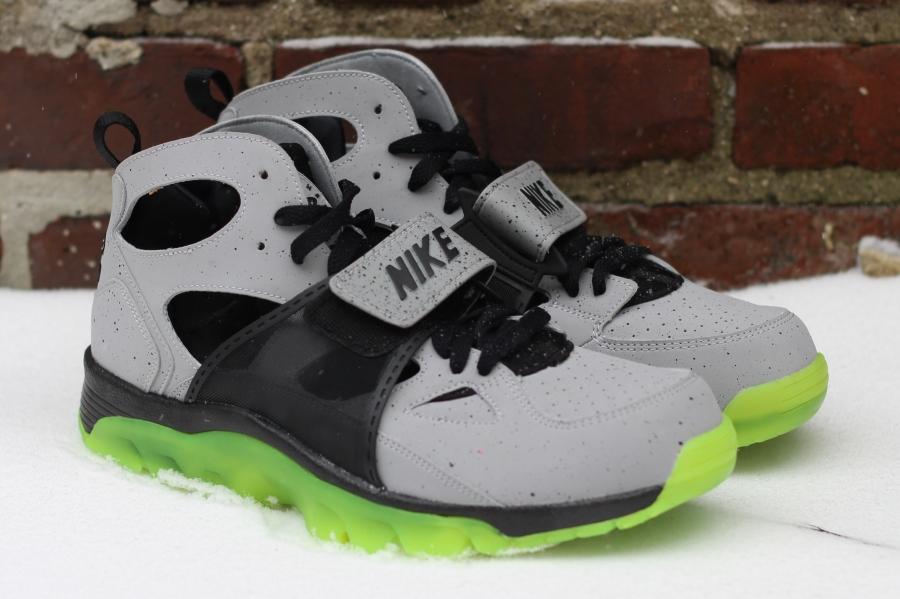 "new product 8b4ed 6b37e Nike Air Trainer Huarache Premium ""NYC"" | SneakerFiles"