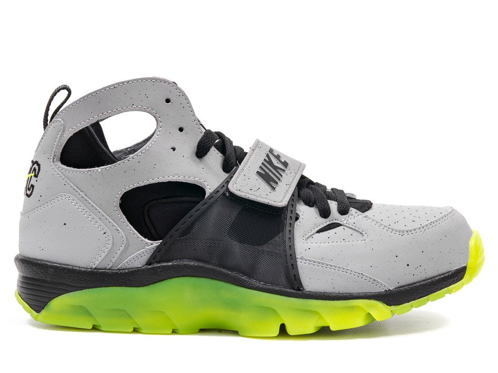 nike air trainer huarache prm qs 39 cement city 39 new images sneakerfiles. Black Bedroom Furniture Sets. Home Design Ideas