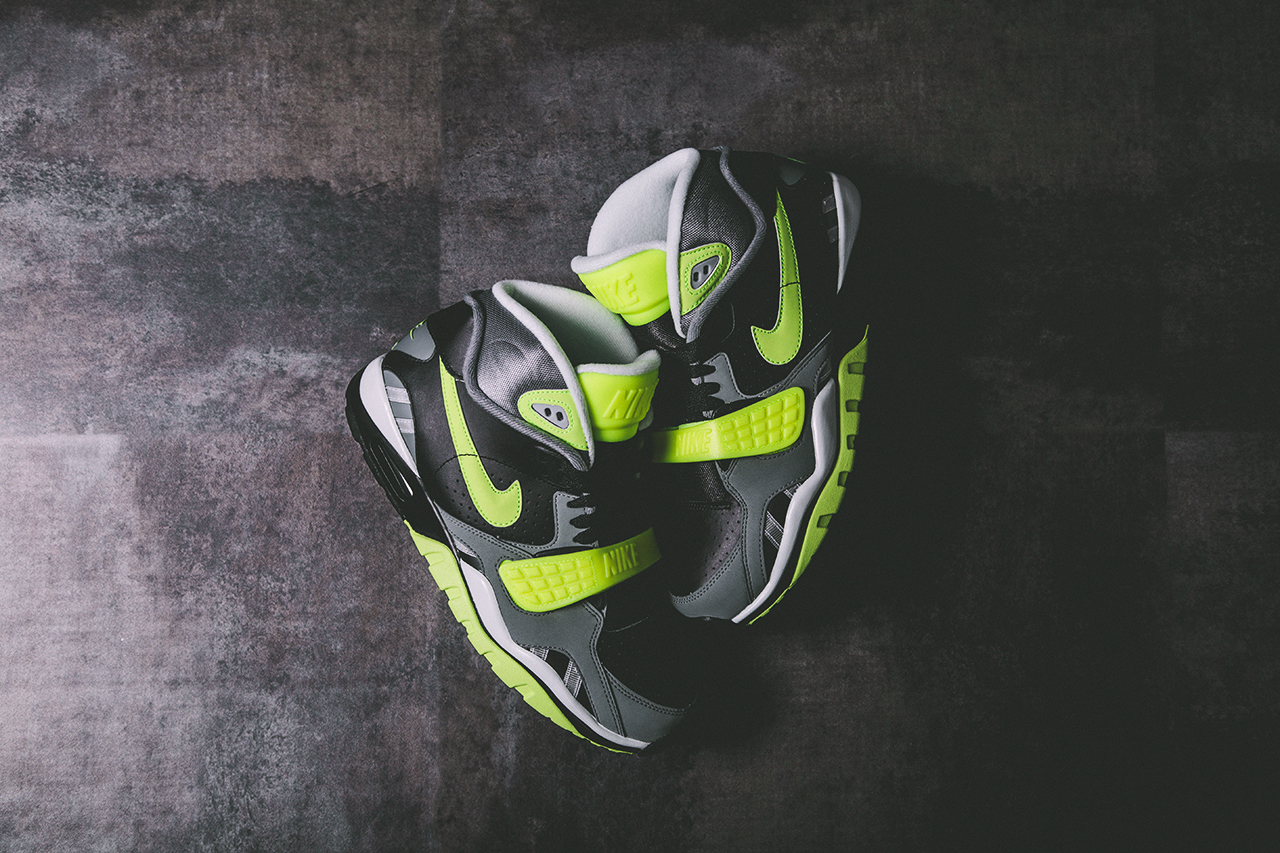 nike-air-trainer-sc-ii-black-cool-grey-volt-release-date-info-1
