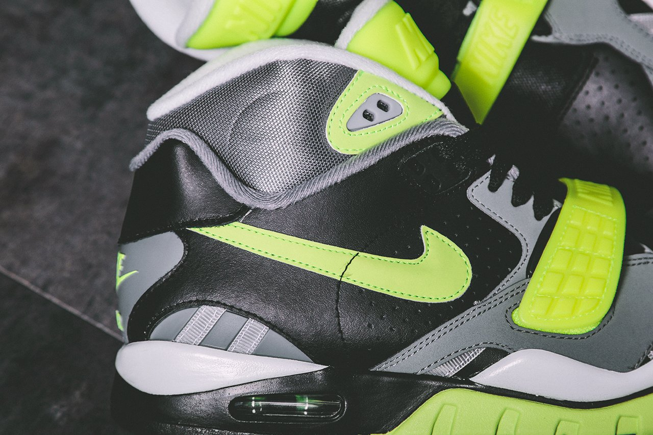 nike-air-trainer-sc-ii-black-cool-grey-volt-release-date-info-3