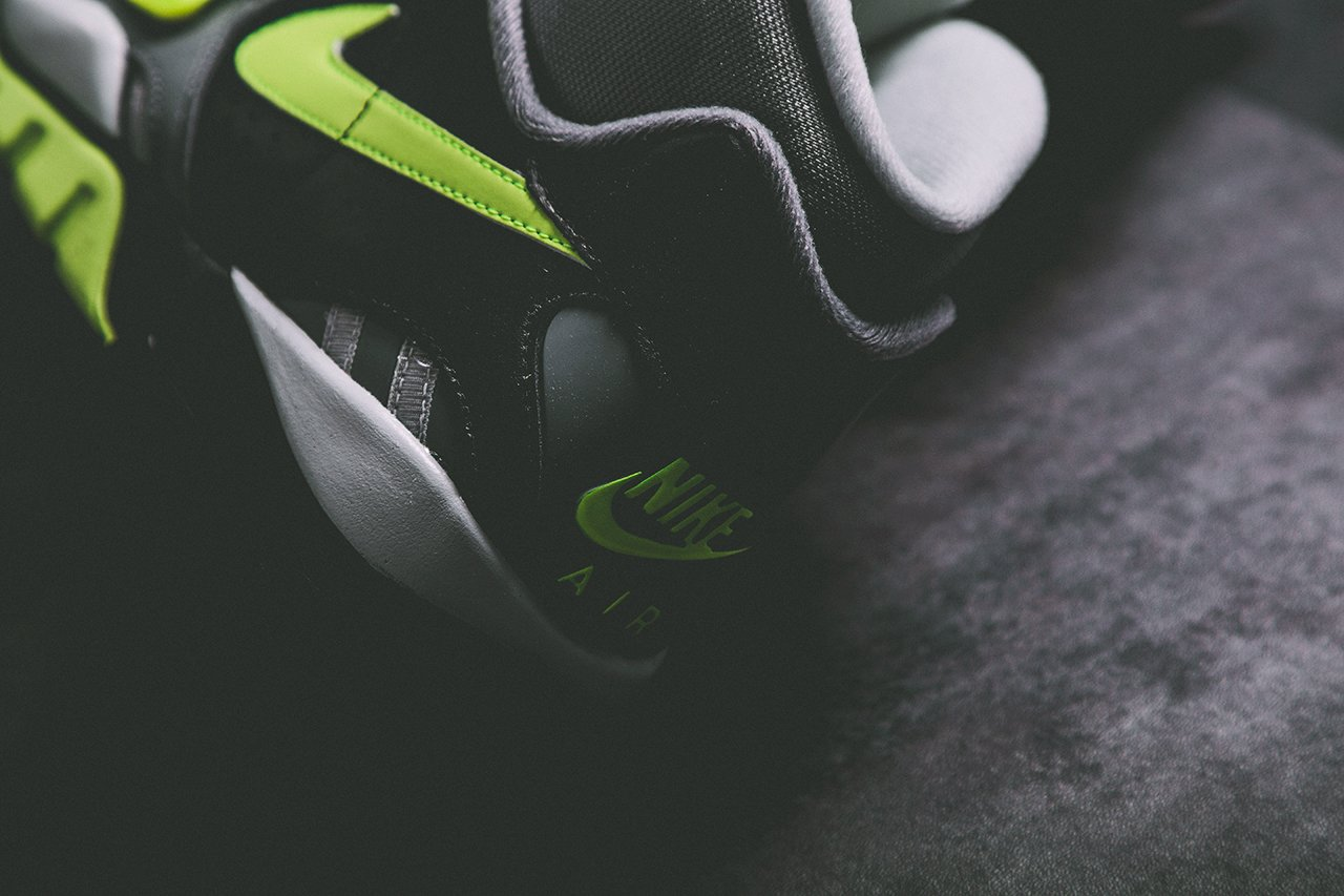 nike-air-trainer-sc-ii-black-cool-grey-volt-release-date-info-4