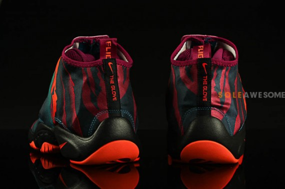 nike-air-zoom-flight-the-glove-prm-green-abyss-black-bright-magenta-turf-orange-release-date-info-2
