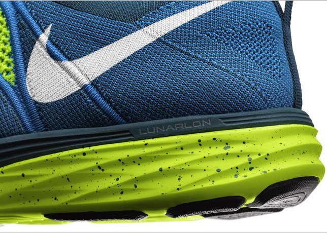 nike-flyknit-lunar-2-officially-unveiled-12
