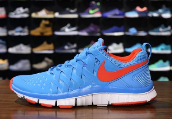 nike-free-trainer-5.0-vivid-blue-light-crimson-white-1