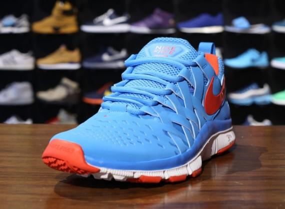 nike-free-trainer-5.0-vivid-blue-light-crimson-white-2