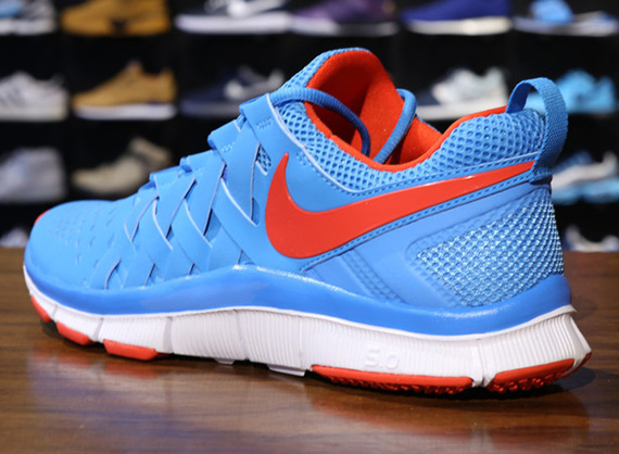 nike-free-trainer-5.0-vivid-blue-light-crimson-white-3