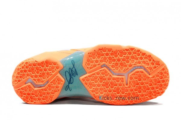 nike-lebron-xi-11-xdr-atomic-orange-green-abyss-glacier-ice-new-images-4