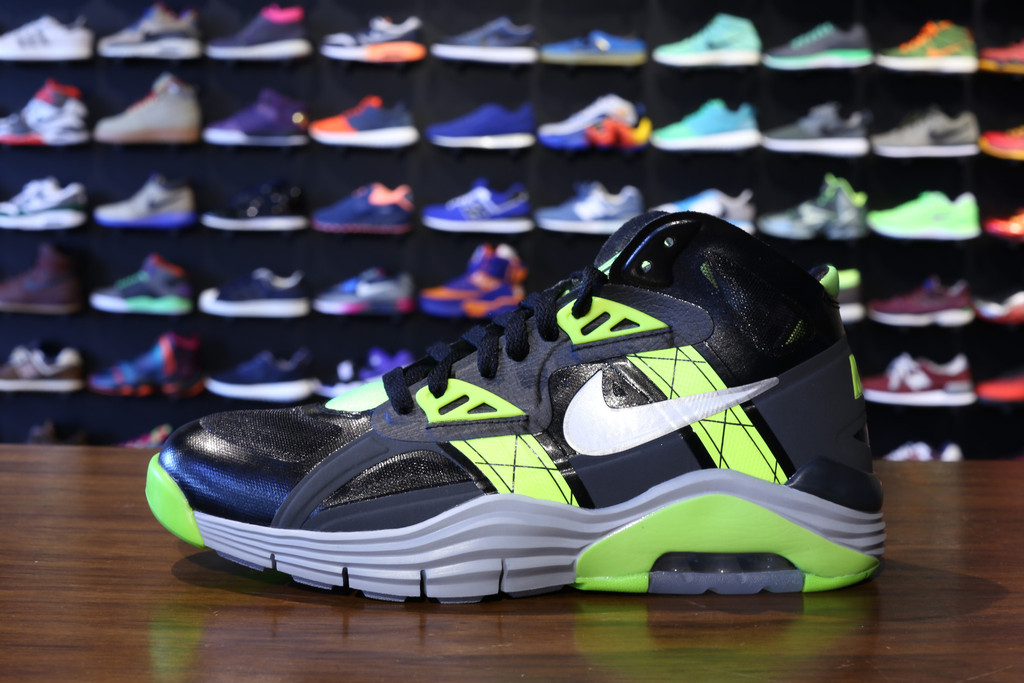 nike-lunar-180-trainer-sc-black-white-anthracite-volt-1