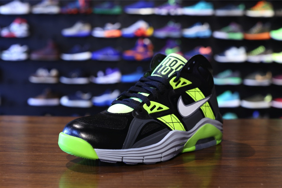 nike-lunar-180-trainer-sc-black-white-anthracite-volt-2
