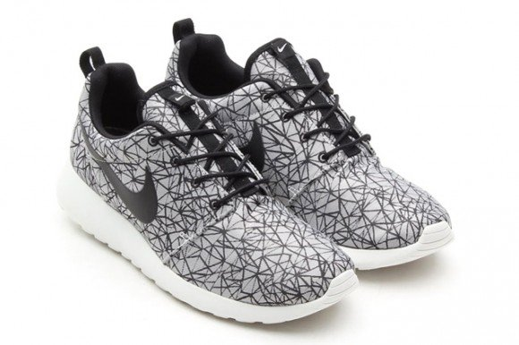 nike-roshe-run-gpx-summit