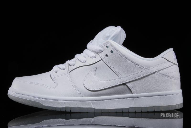 nike-sb-dunk-low-pro-white-light-base-grey-white-2